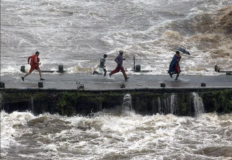 भारत में बाढ़ का भारी असर