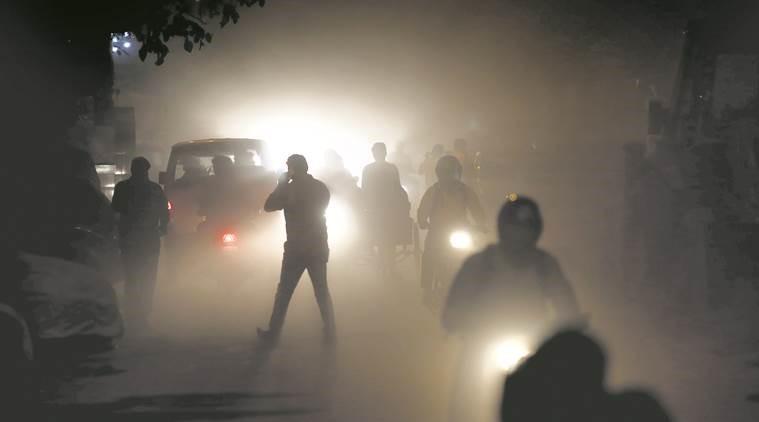 दिल्ली में प्रदूषण स्तर फिर बढ़ा, आपातकालीन उपाय लागू करने का ऐलान