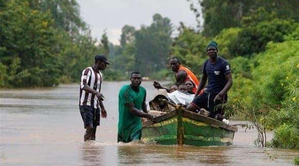 मूसलाधार बारिश और बाढ़ से पूर्वी अफ्रीका में सैकड़ों मरे