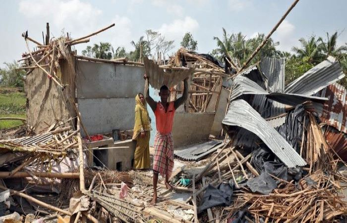 बंगाल में चक्रवाती तूफान अम्फान का कहर