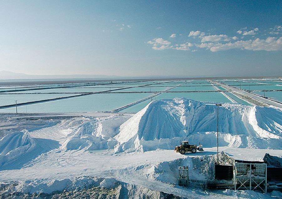 लीथियम, ग्रेफाइट जैसी धातुओं का उत्पादन बढ़ाना होगा: विश्व बैंक