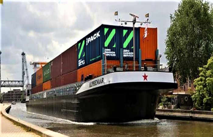 नीदरलैंड और बेल्जियम ने बनाई स्वचालित बैटरी नाव