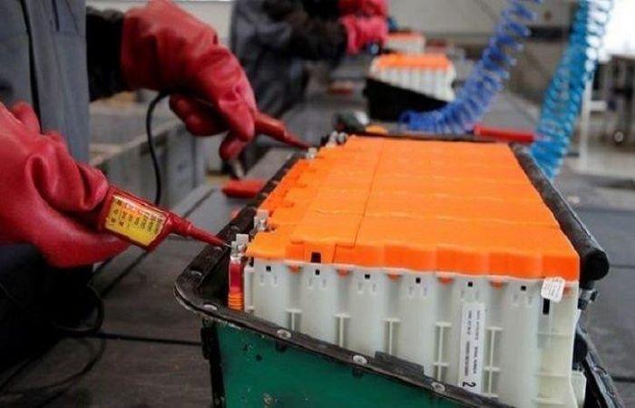 बजाज सुस्त पर नीति आयोग ने बैटरी नीति पर भरोसा दिलाया