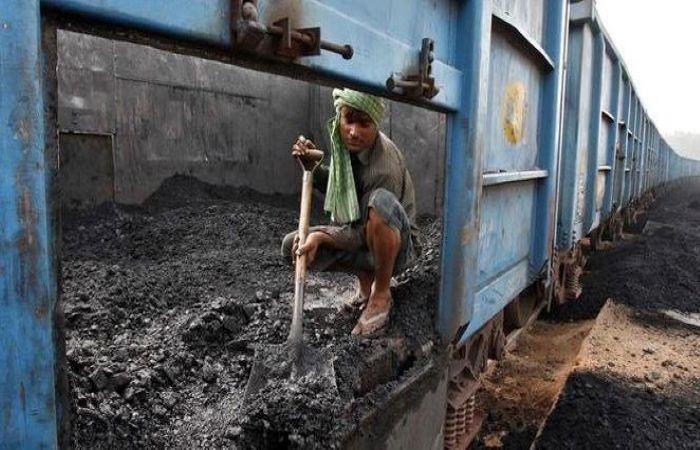 भारत में कोयला निवेश में भारी गिरावट