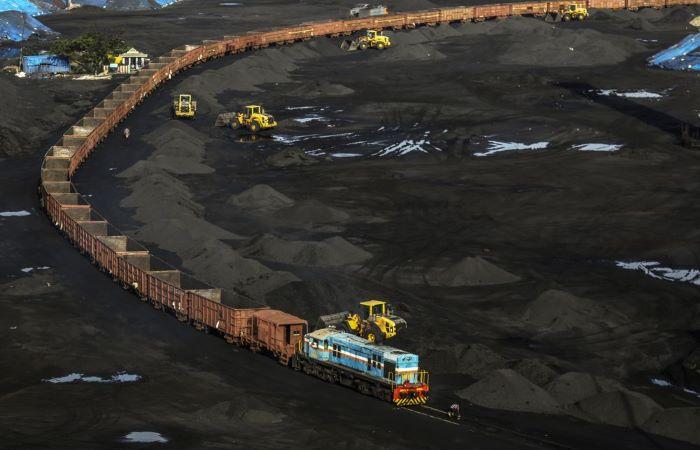 तमाम कोशिशों के बाद कोयले का बाज़ार ठंडा