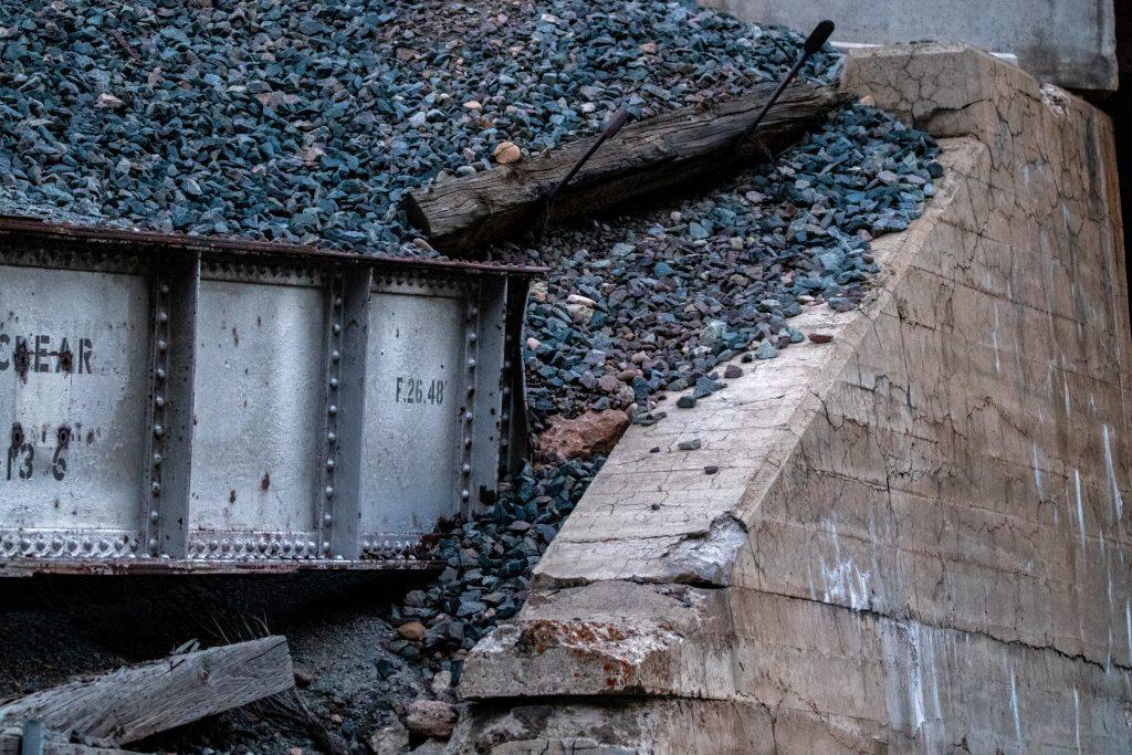बांग्लादेश नौ कोयला बिजलीघरों  को बंद करेगा