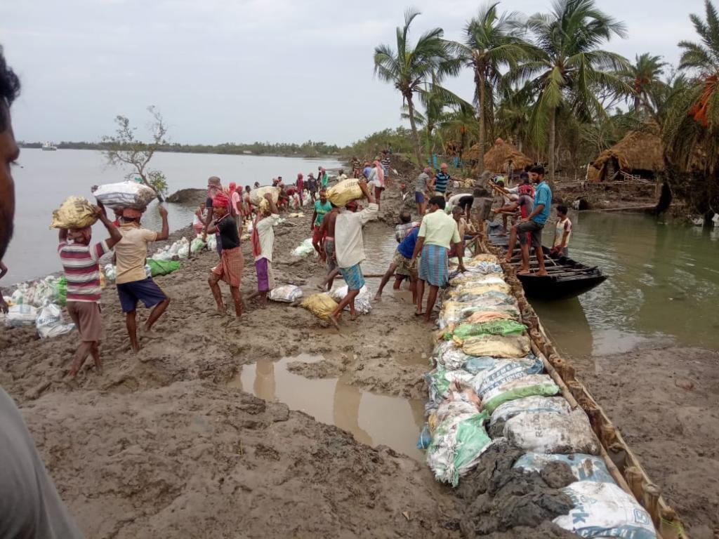 बंगाल के बजट का 25 प्रतिशत हिस्सा चढ़ गया चक्रवातों की बलि