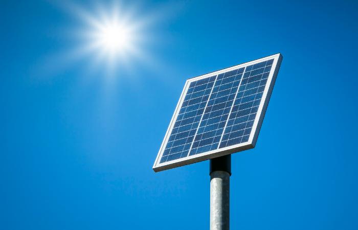 कोरोना लहर से प्रभावित होंगे सौर और पवन ऊर्जा के प्रोजेक्ट