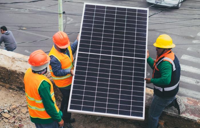सौर ऊर्जा: इस साल दूसरी तिमाही में 2,488 मेगावॉट पावर की बढ़त