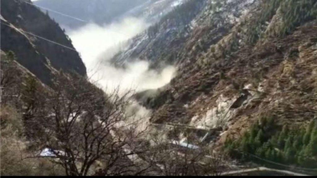 रैणी पर भूस्खलन का खतरा बरकरार, गांव को नई जगह बसाने की सिफारिश: रिपोर्ट