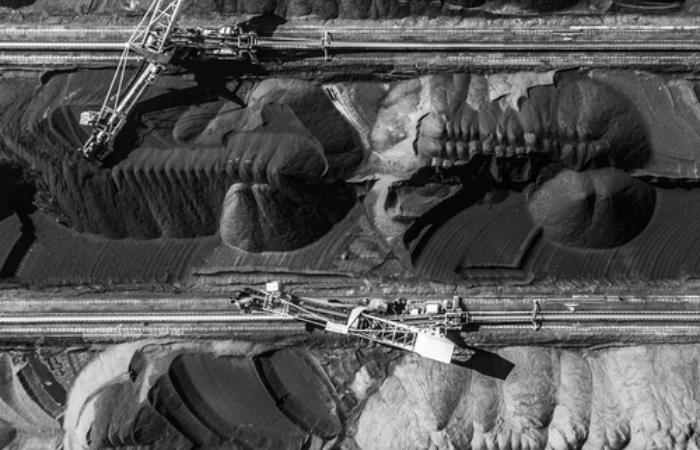 चीन लगा रहा 100 गीगावॉट के नये कोयला प्रोजेक्ट